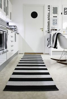 I love this, but somehow it's impossible for me to keep a home only in black and white..  Very cool