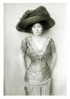 Grace la Rue, c. 1910s..beautiful