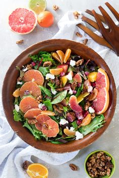 Brighten up those gloomy days with this winter citrus salad! A mixed citrus lettuce salad with the most delicious citrus salad dressing! Use whatever citrus fruits you want! // arugula citrus salad via Taco Salad Recipes, Spinach Salad Recipes, Broccoli Salad, Raw Cabbage, Cabbage Salad, Whole Food Recipes, Healthy Recipes, Easy Recipes, Amazing Recipes