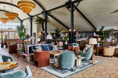 Soho Farmhouse has a number of spaces for eating and drinking, including Japanese grill Pen Yen, the Main Barn and Hay Barn. Soho Hotel, Hotel Lobby, Soho House Istanbul, Soho House London, London Eye, Soho Farmhouse Interiors, Hotel Interiors, Hay Barn, Pub Interior