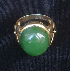 Ring Jade Origin: Birma, cut Viet Nam - www.kn-jewellery.com