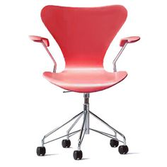 Arne Jacobsen Series 7 Swivel Chair - Red