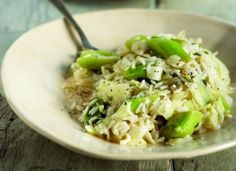 Cabbage with rice and leeks - www. Vegetable Salad, Vegetable Dishes, Greek Recipes, Vegan Recipes, Cabbage Rice, Winter Dishes, Cabbage Recipes, Love Food, Potato Salad