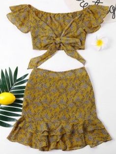 Print Flat Zipper High Off Regular Casual and Going Off Shoulder Flounce Skirt Two Piece Set Komplette Outfits, Korean Outfits, Fashion Outfits, Cute Skirts, Mini Skirts, Two Piece Outfit, Two Piece Skirt Set, Red High Waisted Skirt, Two Piece Swimwear