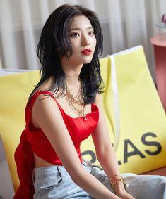 Kpop Girl Groups, Korean Girl Groups, Kpop Girls, My Girl, Cool Girl, Korean Beauty Girls, Fairy Dress, Dangerous Woman, Girls Characters
