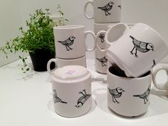Gulsparven Mugg - Formation Norrland #nordicdesigncollective #formationnorrland #mugg #bird #cup #kitchen #porcelain #coffeecup