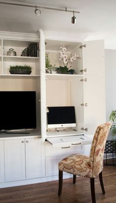 Media center wall unit with desk entertainment has cabinets that open for desktop computer ideas . media center with desk design ideas entertainment Desk Wall Unit, Built In Wall Units, Built In Desk, Wall Storage Units, Wall Unit Decor, Media Wall Unit, Modern Wall Units, Living Room Built Ins, Living Room Wall Units