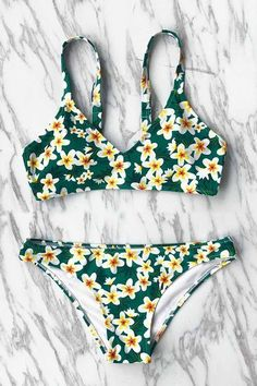 Cupshe The Wizard of OZ Print Bikini Set - Bademode Summer Bathing Suits, Cute Bathing Suits, Summer Suits, Trendy Swimwear, Cute Swimsuits, Cute Bikinis, Floral Swimsuit Bikinis, Green Bikini Set, Bikini Sets