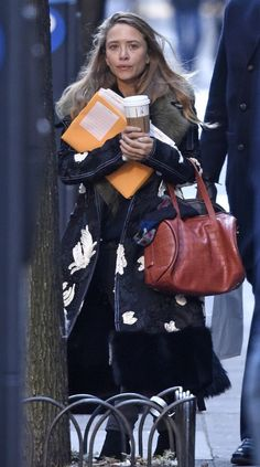 Mary-Kate Olsen Makes A Statement In A Fur-Collared Céline Coat | Olsens Anonymous | Bloglovin'