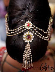 Best Indian Bride Hairstyles for Women with Long Hair - Hair Models Indian Hairstyles For Saree, South Indian Wedding Hairstyles, Wedding Hairstyles For Long Hair, Bride Hairstyles, Hair Wedding, Chignon Hairstyle, Short Hair, Stylish Hairstyles, Hair Jewelry