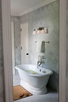 Bolla 3 Light Bath Bar By Hinkley