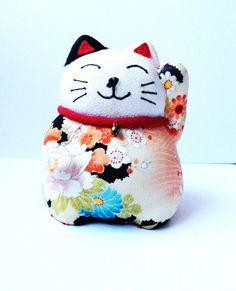 Vintage Japanese Maneki Neko Lucky Cat