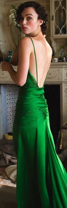 :: I remember the first moment I saw this green bias gown on Keira Knightley in Atonement.  Daisy would have swooned! ::
