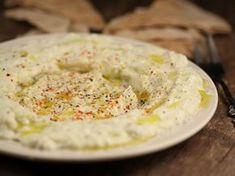 Eggplant salad with yogurt A Food, Good Food, Food And Drink, Yummy Food, Hungarian Recipes, Turkish Recipes, Ethnic Recipes, Eggplant Salad, Oriental Food