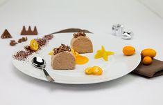 QimiQ Tobleronemousse Toblerone, Panna Cotta, Ethnic Recipes, Desserts, Teller, Advent, Food, Light Recipes, Christmas Meals