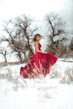 The Best Fabulously Festive Christmas Party Outfit Winter Senior Pictures, Prom Pictures, Senior Photos, Family Photo Outfits, Winter Photography, Beach Photography, Wedding Photography, Photoshoot Inspiration, Photoshoot Ideas