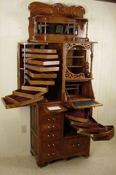 42 Antique Furniture for Your Home Decor decoarchi com is part of Dental cabinet - After you have bought your ideal antique,it's wise to put money into antiques insurance Reproductions Vintage furniture isn't always the original Furniture For You, Unique Furniture, Vintage Furniture, Furniture Design, Wooden Furniture, Bedroom Furniture, Deco Furniture, Furniture Storage, Bedroom Storage