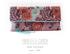 You may have noticed that clutches, especially oversized ones seem to be around in abundance lately, and I couldn't help giving one a go seeing as they are basically a square with a zip.This little project is quick to make, suitable for beginners and good for using up left over fabrics!My...