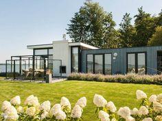 Villa met privé strand in Hulshorst, Gelderland, Nederland.  https://www.micazu.nl/vakantiehuis/nederland/gelderland/hulshorst-veluwemeer-/villa-met-prive-strand-20477/