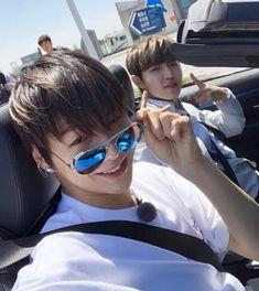 """[Fancafe] 180420 Wanna One Kang Daniel update with Kim Jaehwan at fancafe Trans """"wannable~~ looking forward 💖"""" 96 line in da house yorobun 💕💕💕 Jinyoung, Jaehwan Wanna One, Jimin, First Boyfriend, Daniel K, Guan Lin, Fandom, Kim Jaehwan, Ha Sungwoon"""