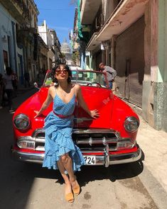 """Vanessa Hudgens in Cuba"" Vanessa Hudgens And Austin Butler, Vanessa Hudgens Style, Cuba Fashion, Star Fashion, Fashion Outfits, Girl Fashion, Cuba Outfit, Boho Chic, Audrey Tautou"