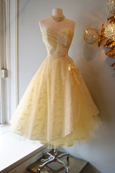 1950's Lemon Drop Dress--How I LOVE this dress.