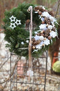 Outdoor decorations for the holiday season – Flowers Flowers Christmas Advent Wreath, Scandi Christmas, Christmas Love, All Things Christmas, Winter Christmas, Christmas Crafts, Holiday, Christmas Arrangements, Arte Floral