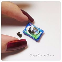 """"""" mint oreos.. they're 3.5mm in size and though I didn't make all the details on the cookie, they do say oreo. #polymerclay #miniature #food…"""""""