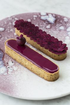 Skills Needed To Become A Patisserie Chef - Useful Articles French Patisserie, Patisserie Design, Food Cakes, Love Cake, Desert Recipes, Mini Cakes, Let Them Eat Cake, Macarons, Cake Recipes