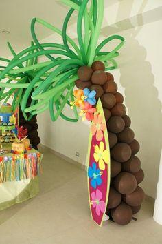 Espectaculares palmeras, realizadas con globos así como unas ...