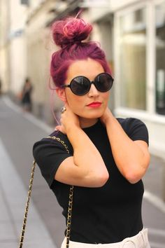 Love the top knot in purple x