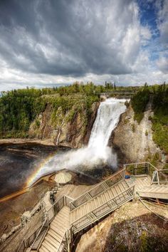 Montmorency Falls is an high waterfall located 12 km from Quebec City. The surrounding Parc de la Chute offers cable car, foot. Ottawa, Old Quebec, Quebec City, Places To Travel, Places To See, Province Du Canada, Alberta Canada, Ontario, Chute Montmorency