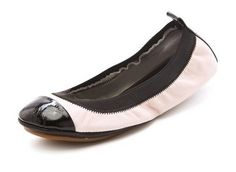 All moms need a stylish pair of ballet flats!  #captoe #balletflats