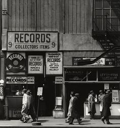 Todd Webb, Sixth Avenue between 43rd and 44th Streets, April 23, 1948