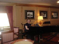 Swan Hellenic - Minerva, Pianist at Darwin Lounge