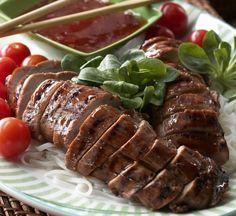 Mausteinen porsaan sisäfilee, resepti – Ruoka.fi Pork Recipes, Sausage, Meat, Ethnic Recipes, Anna, Food, Sausages, Essen, Yemek
