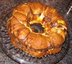 Breakfast Ring... Potluck breakfast perfection! I think I am making this just subing bacon istead of sausage.