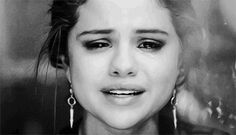 selena gomez the heart wants - Google Search Selena Gomez Tumblr, Selena Gomez Crying, Ariana Grande Tumblr, Selena Selena, Wattpad, Cute Celebrities, Celebs, Marie Gomez, Music Videos