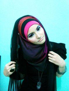 colors Hijab Niqab, Hijab Outfit, Arab Fashion, Modern Fashion, Fashion Muslimah, Hijab Ideas, Hijab Pins, Hair Cover, Colour Colour
