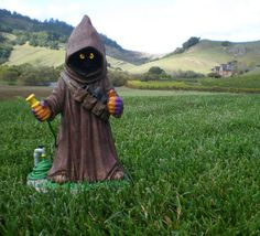 Jawa Garden Gnome.  The Brit wants one of these.  My favorite part is the little garden tools in his bandolier.