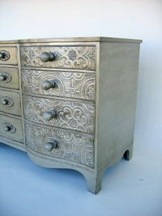 "Home Sweet Thrifty Home: Shabby Chic Furniture ""Pinspiration"". Painted textured wallpaper"
