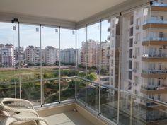 lara-cam-balkon