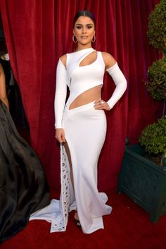 All the Hottest Red Carpet Looks From the 2016 Latin Grammys