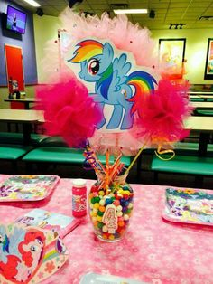 Luxury My Little Pony Birthday Party Games - Creative Maxx Ideas Fiesta Little Pony, My Little Pony Cumpleaños, Cumple My Little Pony, Little Poney, My Little Pony Birthday Party, Birthday Party Games, Unicorn Birthday Parties, Unicorn Party, Birthday Party Decorations
