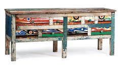 The boats are African raw materials Dinouar dresser, of Artlantique