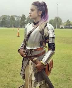 Armor for Adella for combat. omg im so gay Medieval Combat, Medieval Armor, Medieval Fantasy, Armadura Medieval, Larp Armor, Knight Armor, Female Armor, Female Knight, Fantasy Character Design