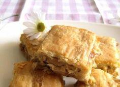 Ηπειρώτικη μανιταρόπιτα! Apple Pie, Desserts, Food, Tailgate Desserts, Apple Cobbler, Deserts, Eten, Postres, Dessert
