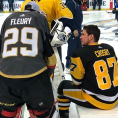 Sid and Flower 🌸 Friends forever ❤️ Pens Hockey, Hockey Memes, Ice Hockey Teams, Hockey Stuff, Hockey Puck, Golden Knights Hockey, Vegas Golden Knights, Pittsburgh Sports, Pittsburgh Penguins Hockey
