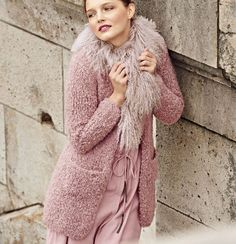 Короткое пальто из пряжи-букле - схема вязания спицами. Вяжем Пальто на Verena.ru