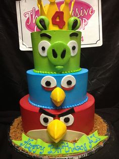 Angry birds cake, not cupcakes, but simple and very cool! Pretty Cakes, Cute Cakes, Beautiful Cakes, Amazing Cakes, Bolo Angry Birds, Festa Angry Birds, Fondant Cakes, Cupcake Cakes, Rodjendanske Torte